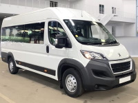 Peugeot Boxer 17 Seat Euro 6 ULEZ Compliant Lightweight Minibus in White with Parking Sensors
