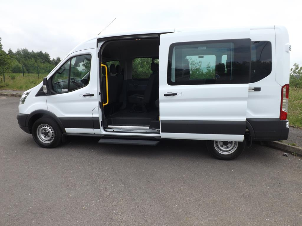 ford transit 15 seater candrive no d1 license minibus for. Black Bedroom Furniture Sets. Home Design Ideas