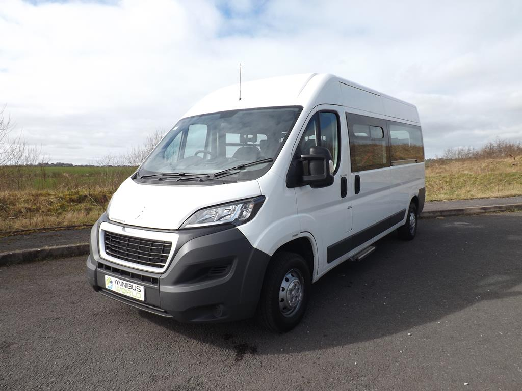 434f13fe3b ... CanDrive Light 16 Seater Peugeot Boxer 3.5ton School or Charity Minibus  For Sale ...